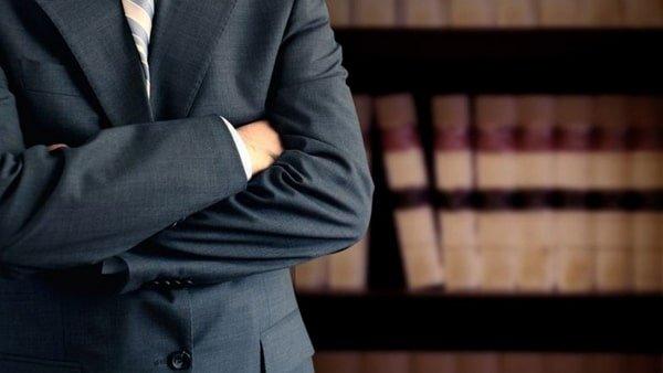 Sería correcto contratar a un abogado especialista en accidentes de tráfico si llegase a ser atropellado