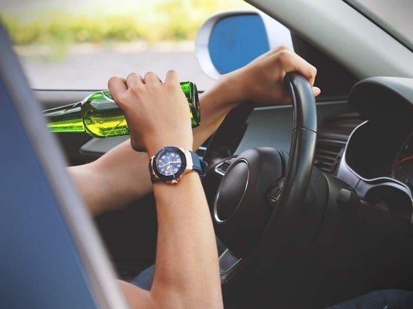 manejo de un automovil bajo los efectos del alcohol y estupefacientes
